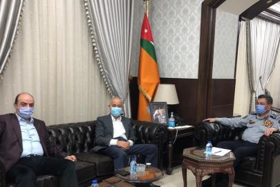 بحث التعاون بين صناعة الأردن والدفاع المدني